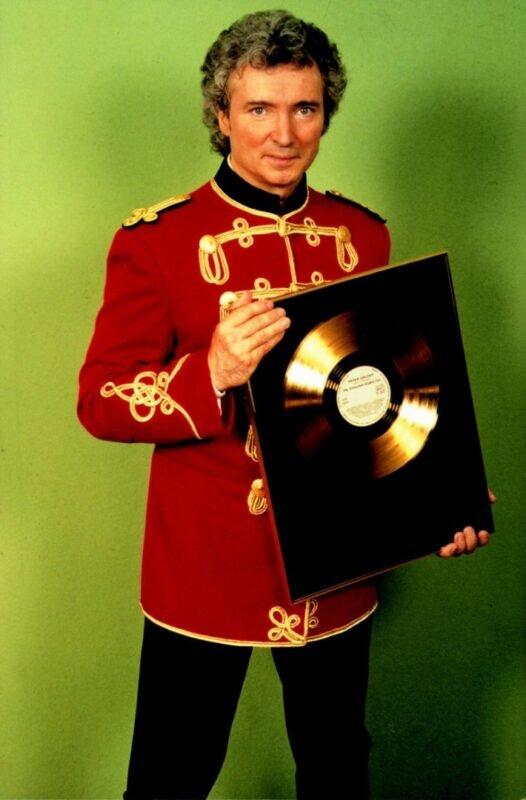 Peter Orloff   Goldene Schallplatte   Goldverleihung 1995 in Falkenstein (P. Orloff widmete die Goldene Schallplatte seinem Vater)
